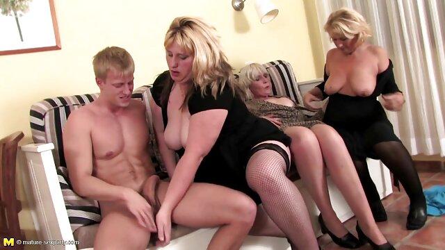 Megan Sage seduce a su hermanastro abuelas desnudas follando