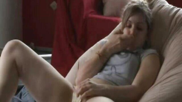 Linda petite desnuda