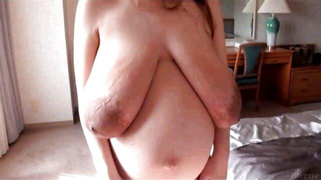 Adolescente niñera cockriding antes de trios de viejas follando doggystyle