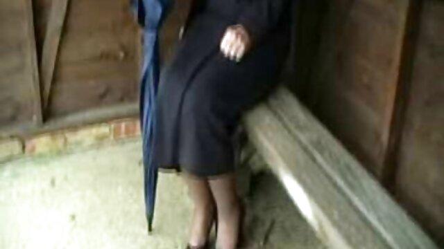 Jenna Sativa folla con su madrastra Kendra Lust videos de viejasxxx