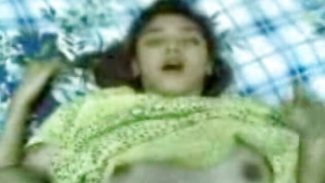 Yuzuha Takeuchi, morena bimbo, mama la polla en la videos xxx viejas buenas cámara